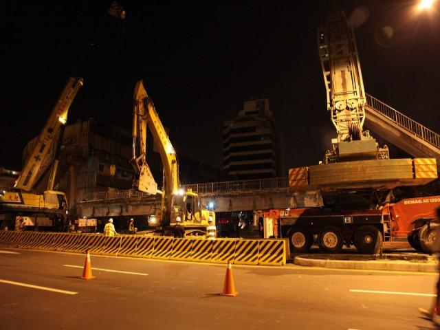 南港向陽路口天橋拆除