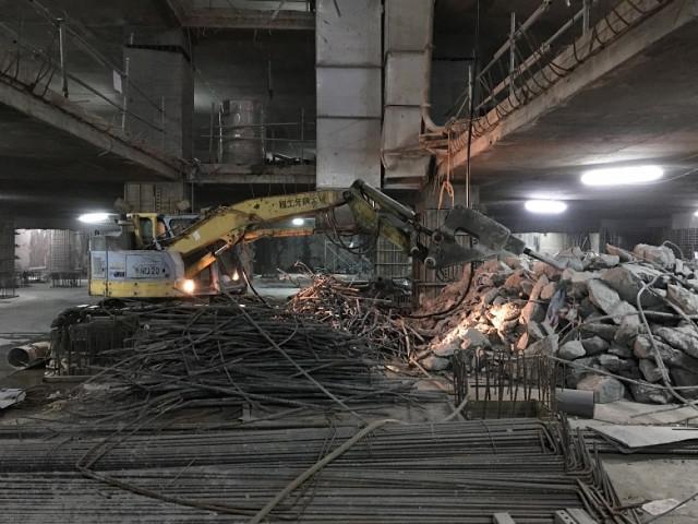 忠孝東路四段大樓地下室拆除