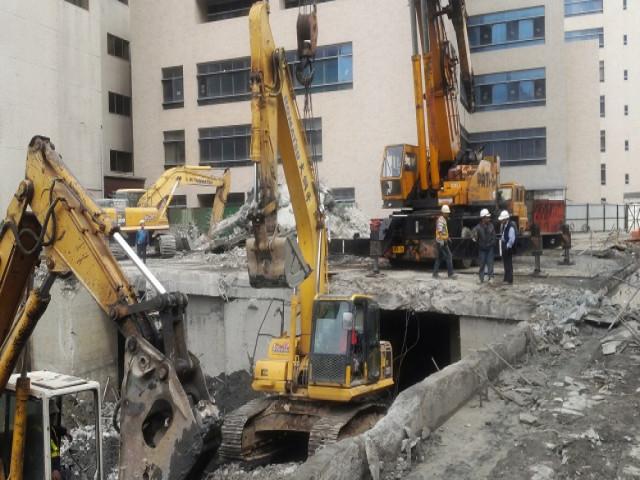 亞東醫院地下3層拆除