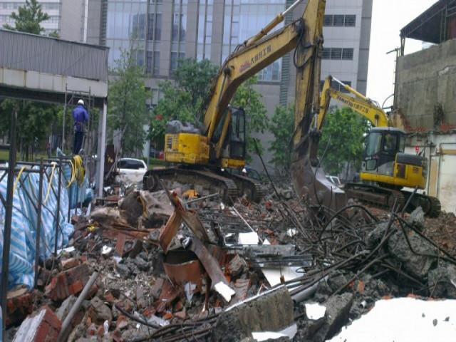 德行西路五層建物拆除