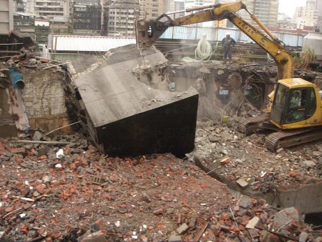 台北市中華路五層建物拆除