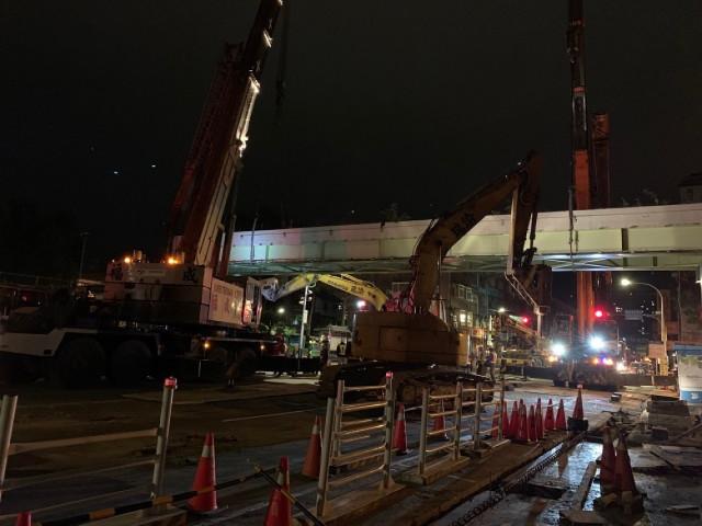 新店區民族天橋拆除