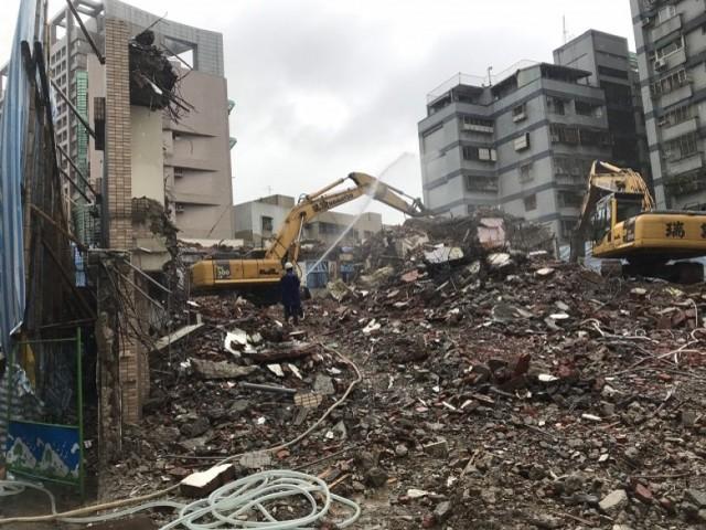 新北市中和區五層樓都更拆除
