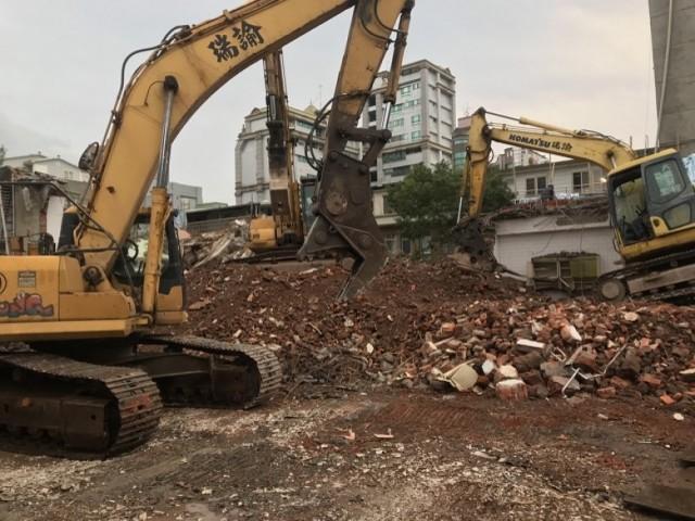 士林士東路五層樓危老案拆除