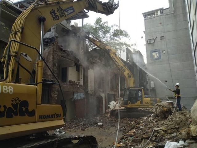 南京西路五層樓都更案拆除