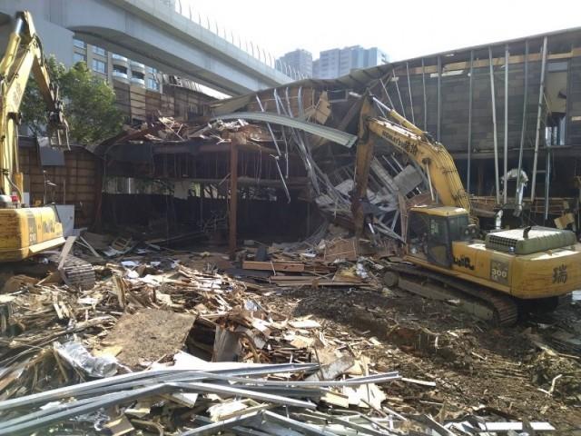 淡水800坪樣品屋拆除
