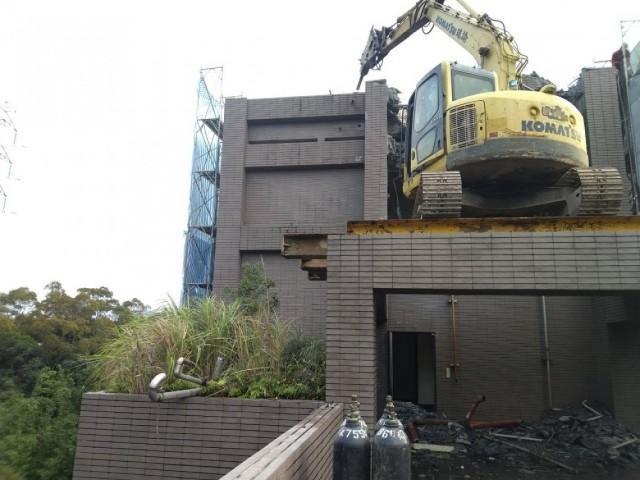 大湖山莊七樓建物拆除