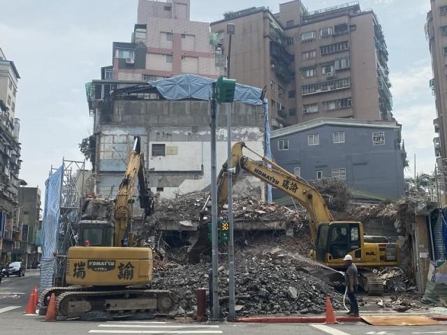 台北市廣州街昆明街口都更案拆除