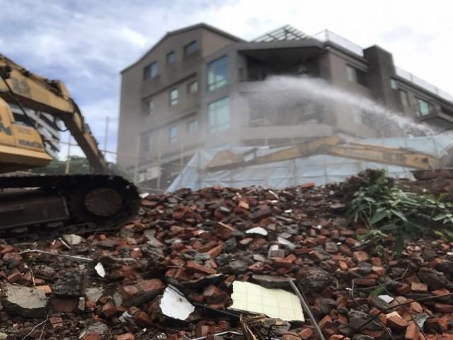淡水八勢路三層樓建物拆除