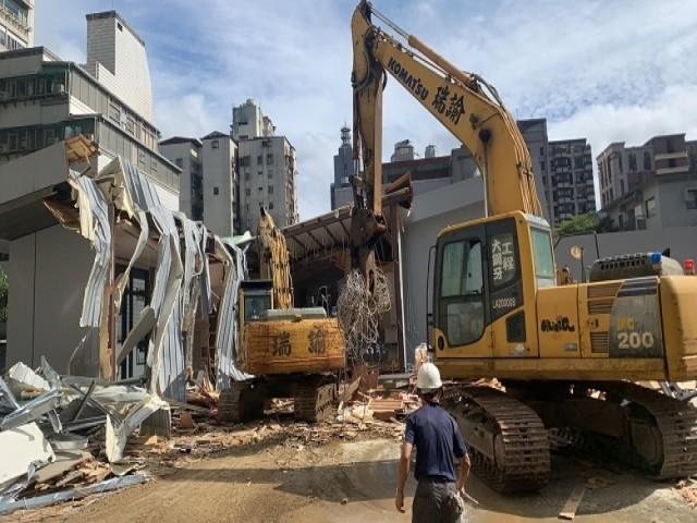 信義路四段大安捷運站旁樣品屋拆除