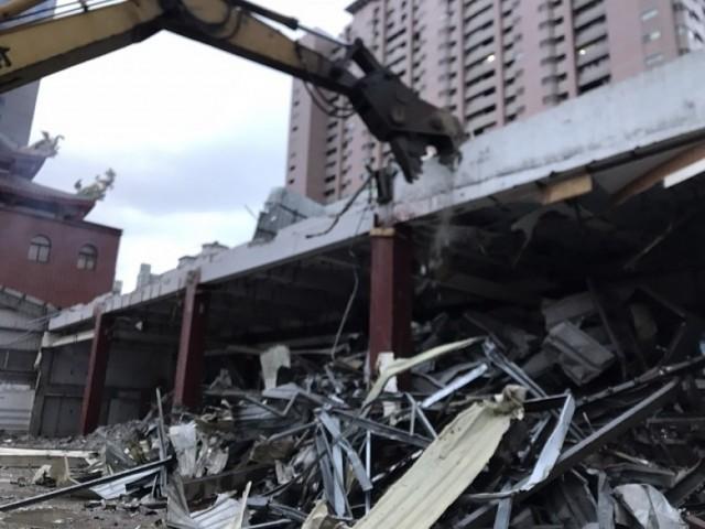 板橋和泰汽車廠拆除