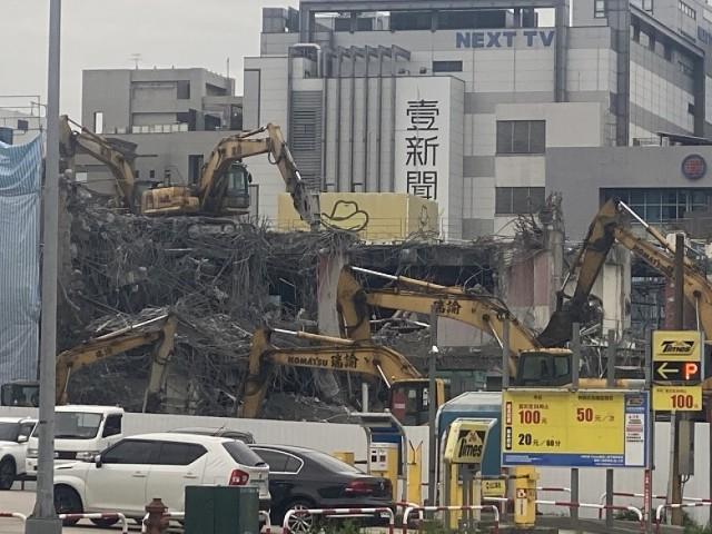 內科九樓廠辦拆除